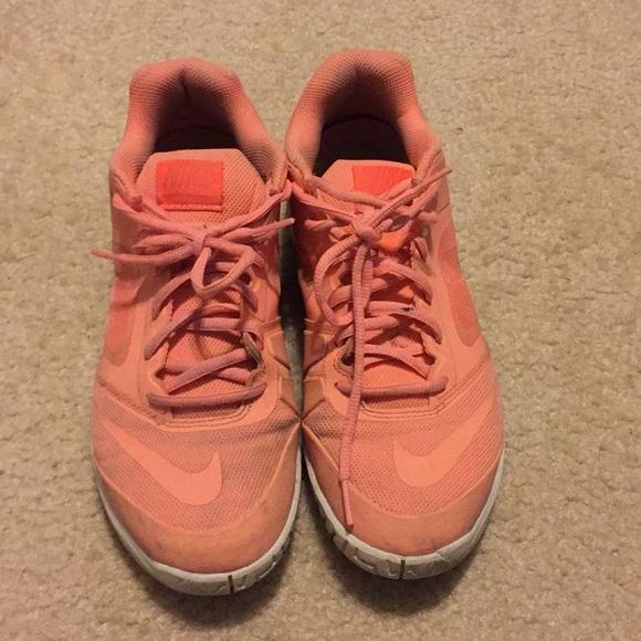 Nike Salmon colored Tennis Shoes sz 9M